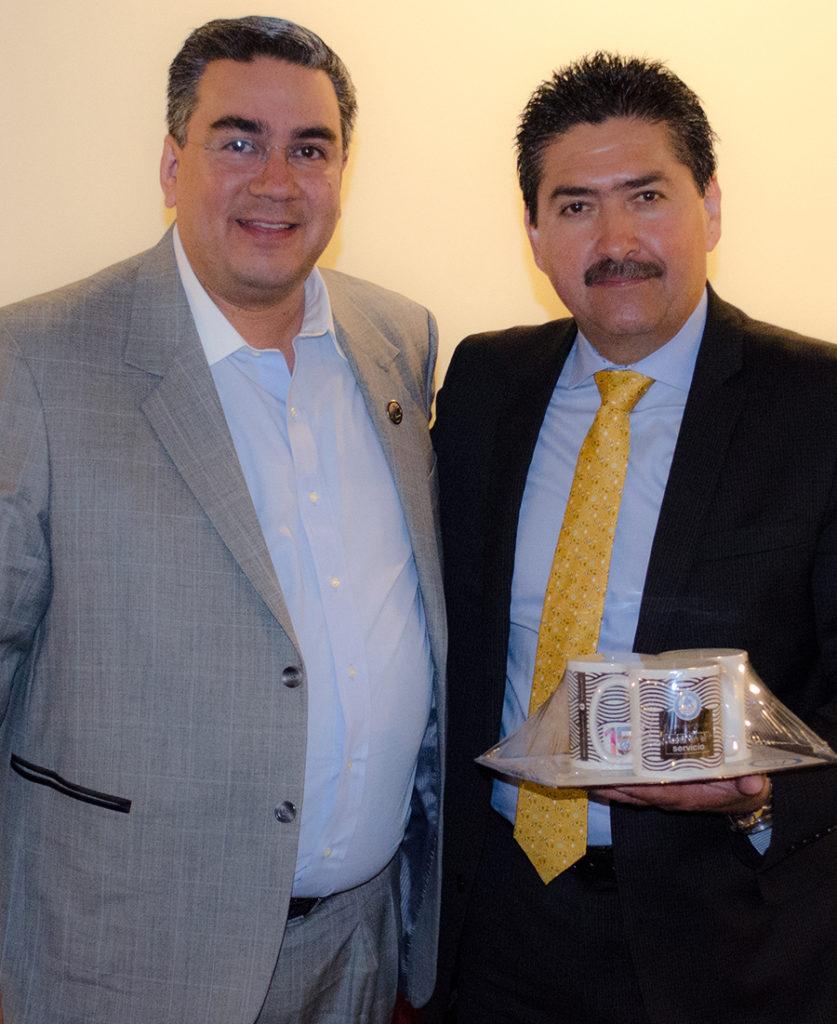 Sr. Carlos Aguilar e Ing. Héctor Mario Chavira